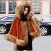 Mantel mit Kapuze, schalartig aus Fuchspelz
