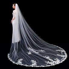 Hochwertiger Spitzen-Brautschleier 3 Meter langer Brautschleier mit Kammhochzeitszubehör