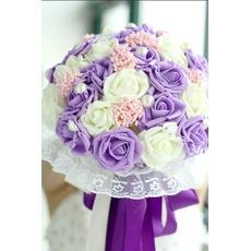 Die Braut hält eine Studio schießen Requisiten Blumenstrauß Tiffany blau weiß grün fiffany