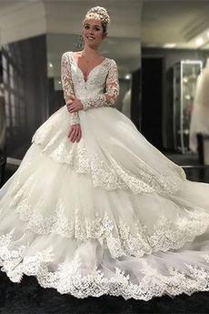Gericht Schleppe Mittelgröße Tüll Bördeln V-Ausschnitt Brautkleid