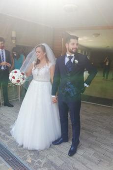 Brautkleid Tüll Schulterfrei Outdoor Sanduhrförmig Bördeln Perlengürtel