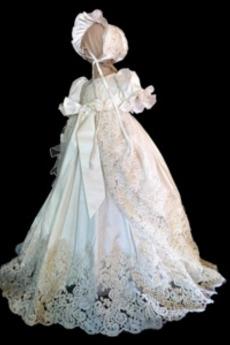 Spitzen-Overlay Empire Taille Schmetterlingsknoten Taufe Kleid