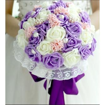 Die Braut hält eine Studio schießen Requisiten Blumenstrauß Tiffany blau weiß grün fiffany - Seite 2