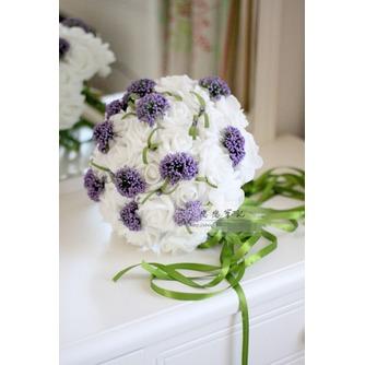 Die Hochzeit der Braut hält Blumen PE Hochzeit verlassen - Seite 1