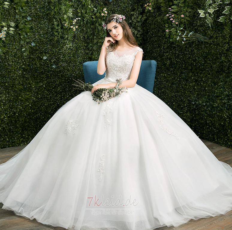Stoff und Dekoration für Hochzeitskleider